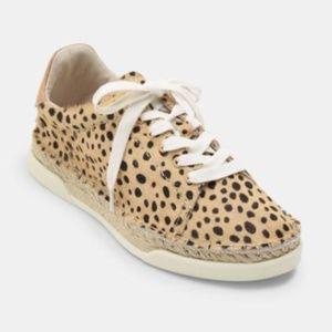 NWT Dolve Vita Madox Leopard Sneakers